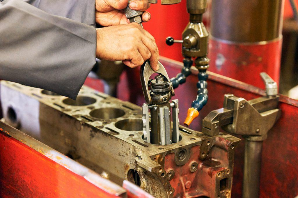Engine reconditioning services
